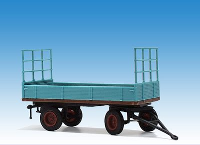 Strohtransporter mit Bordwänden