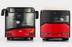 Solaris U18 viertürig, rot